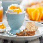 Le uova non fanno alzare il colesterolo. Se ne possono mangiare 12 a settimana senza problemi