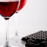 Vino rosso e cioccolato fanno il bene dell'intestino